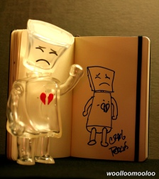 http://tracksuitceo.files.wordpress.com/2008/01/broken-heart-robot.jpg?w=224&h=252